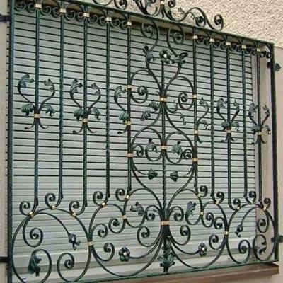 آیا ضدعفونی کردن حفاظ پنجره ی ساختمان ضروری است ؟
